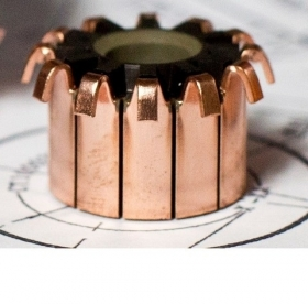 Hook commutator for opening and closing systems - RD EUROPE GROUP